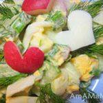 Салат из яиц, редиски и огурца