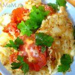 Омлет с цветной капустой и помидорами