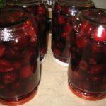 Компот вишневый без сахара с пряностями