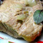 Свинина тушеная крупными кусками, с оливками