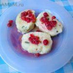 Ленивые вареники под ягодным соусом