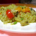 Рис с грибами, тушеный на сковороде