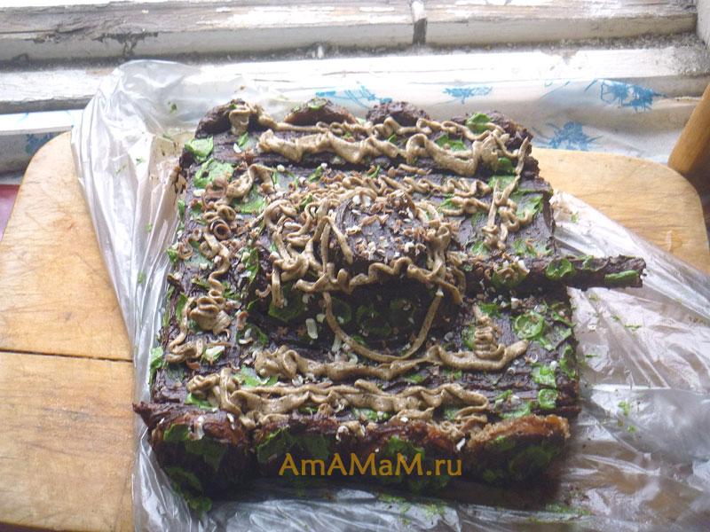 Как делают торт в виде танка - камуфляжная раскраска кремом
