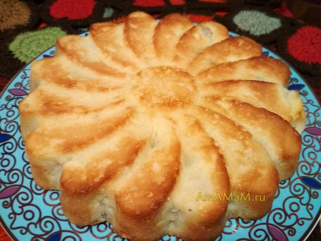 Пирог с яблоками бисквитный без масла