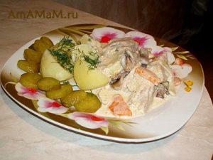 Свинина в сметане с овощами - рецепт тушеного мяса