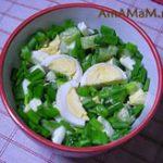 Салат: зеленый лук с яйцом и огурцами