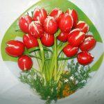 Салат Тюльпаны (помидоры, фаршированные салатом)