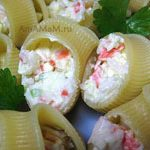 Макароны Лумакони с начинкой из крабовых палочек и сырков
