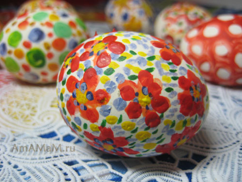 Как разукрасить яйца на пасху гуашью