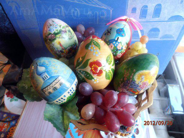 Роспись пасхальных яиц - фото