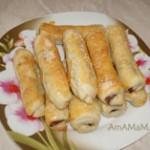 Слоёные трубочки с колбасой Салями