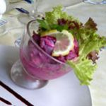 Салат из сельди с яблоком, свеклой и огурцами