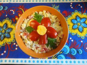 Фото салата из сельди с рисом, яйцами и яблоком