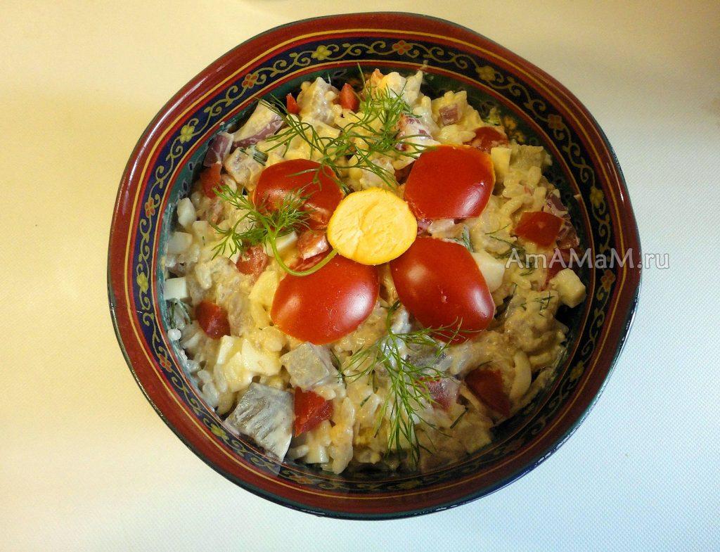 Красивый и вкусный салат из сельди иваси