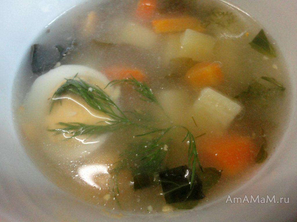 Рисовый щавелевый суп с вареным яйцом