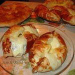 Аджарские хачапури (слоеные лодочки)