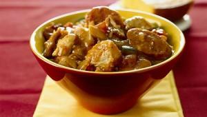 Рецепт гуляша из говядины с ветчиной, картошкой и вином - очень вкусное блюдо