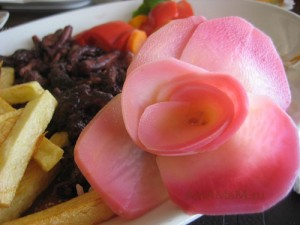 Как сделать розу из картошки - фото
