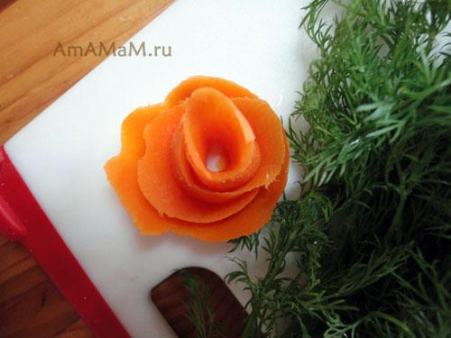 Как сделать розу из вареной моркови (морковной шкурки)