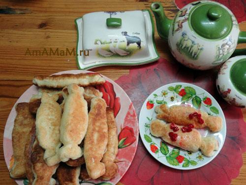 Готовим жареные пирожки с бананом из покупного дрожжевого теста