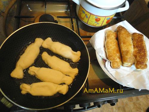 Пирожки из слоеного тестаы с фото на сковороде