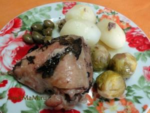 Что приготовить из брюссельской капусты - рецепт кочанчиков с мясом и оливками (тушение в духовке)