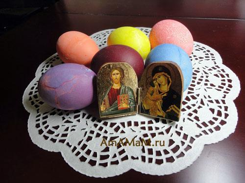 Крашеные яйца с иконкой - фото