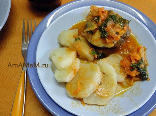 Вкусная тушеная рыба в томатном соусе  - рецепт и фото блюда из хека