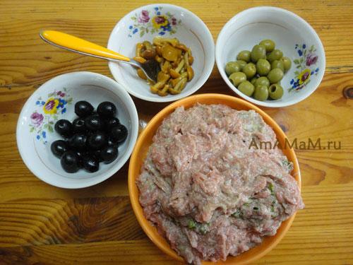 Новый рецепт котлет с маслинами, оливками и грибочками с фото