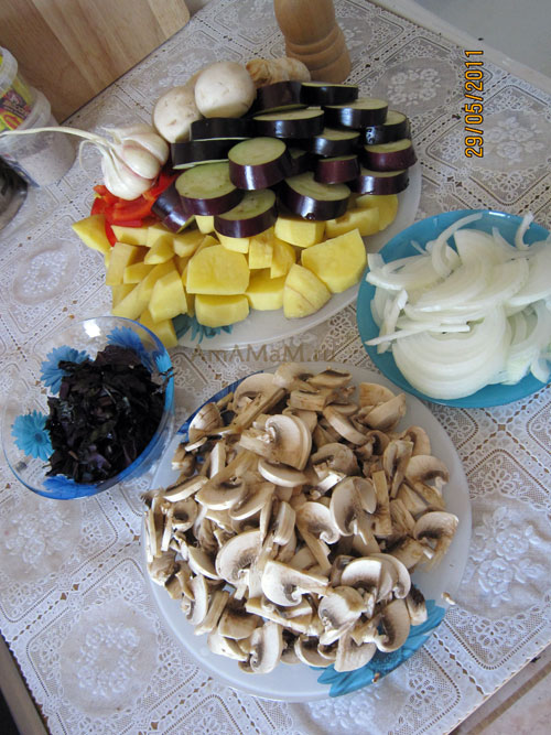 Способ нарезки овощей для тушения мяса с грибами