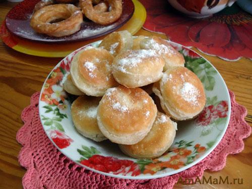 Вкусная выпечка из слоеного теста - рецепт пышек и пончиков!