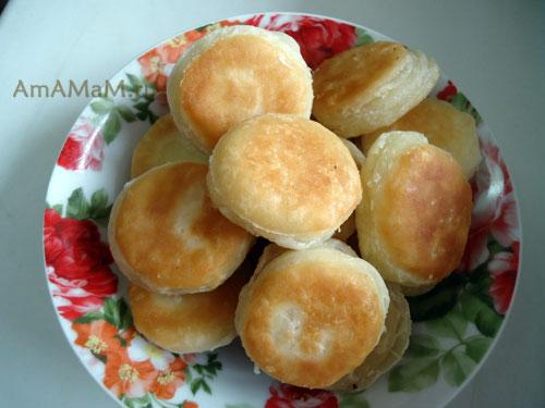 Рецепт домашних пышек и пончиков из слоеного теста