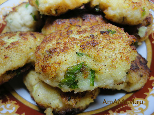 Рыбные котлетки из трески с петрушкой и базиликом - просто и вкусно!