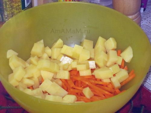 Как нарезать овощи в рыбный суп с морским окунем- фото