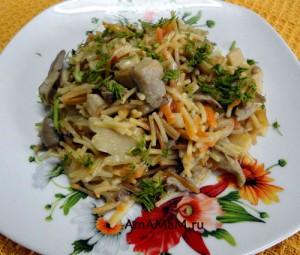 Блюдо из вермишели с вешенками - простой рецепт с фото