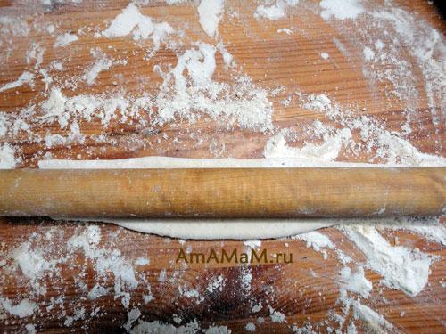 Технология раскатки слоеных восточных сладостей - фото