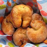 Греческие пасхальные булочки (яички)