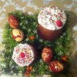 Чем украсить куличи и как покрасить яйца - фото