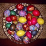 Как красиво покрасить яйца - фото