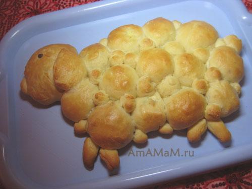 Маленькие пирожки при выпечке склеиваются в единый пирог-барашек