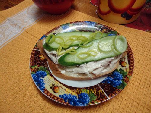 С чем делать бутерброды с курицей - вкусный и простой рецепт!