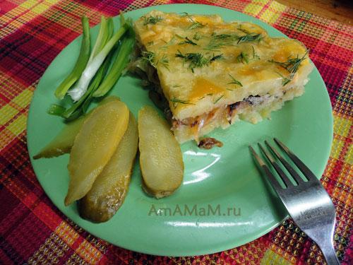 Блюдо из запеченного картофельного пюре с грибами и луком - просто и вкусно!