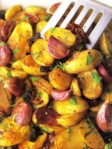 Картошка и котлеты - вкусный ужин