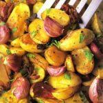 Запеченный картофель с биточками или рыбой