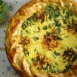 Пирог с зеленым луком в омлете