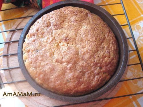Дешевый рецепт пирога для гостей с ягодами смородины и апельсином