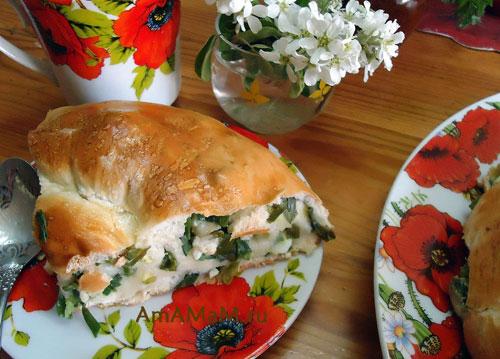 Пирог из замороженного теста с луком и яйцом - просто и вкусно!