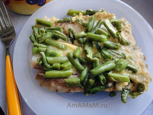 Легкая запеканка из рыбного филе, стручковой фасоли и яиц - рецепт с фото