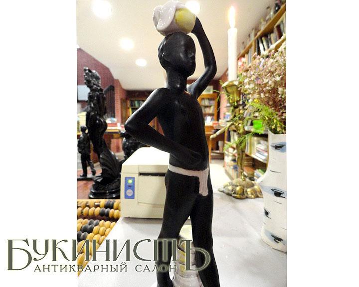Продажа фарфоровых статуэток производства ЛФЗ (Мавр)