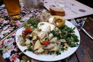 Рецепт интересного салата с селедкой